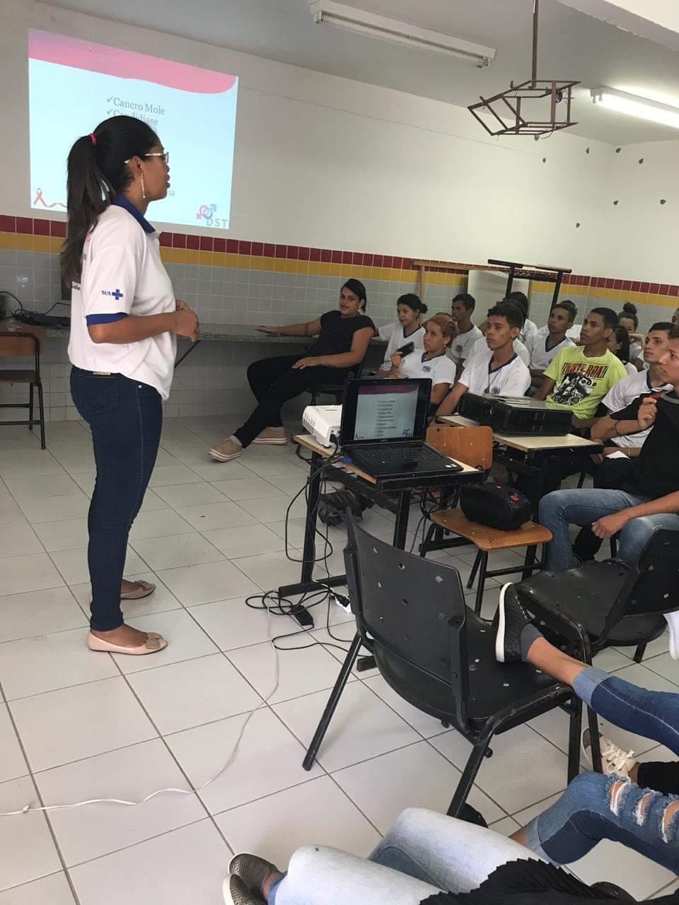 PROGRAMA SAÚDE NAS ESCOLAS - SECRETARIA DE SAÚDE REALIZA PALESTRA SOBRE DST