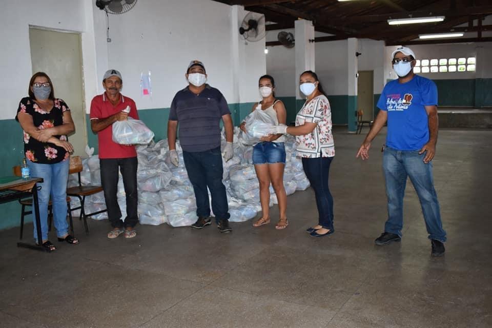 Distribuição cestas básicas